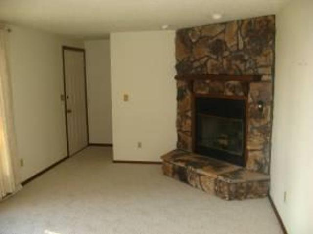 $750 / 1608ft² House For Rent Wild Rose