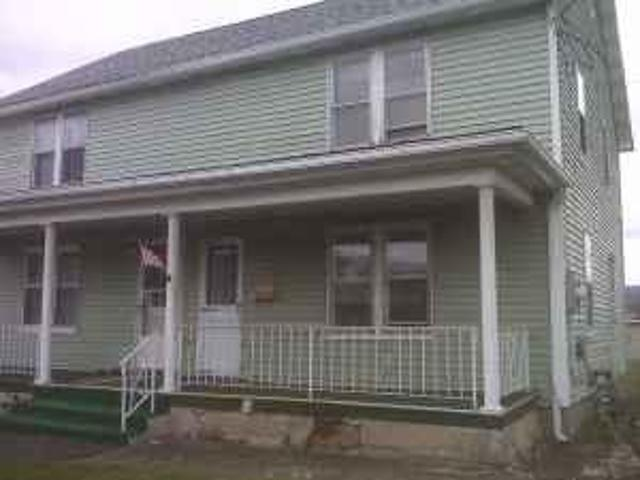 $750 / 2br Newly Renovated 2 Story House Peckville
