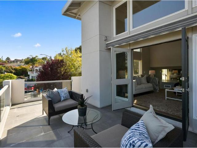 750 Holly Rd, Belmont, Ca 94002