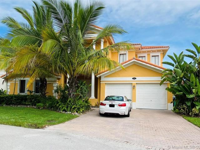 7 Bedroom Luxury Villa For Rent In Cutler Bay, United States
