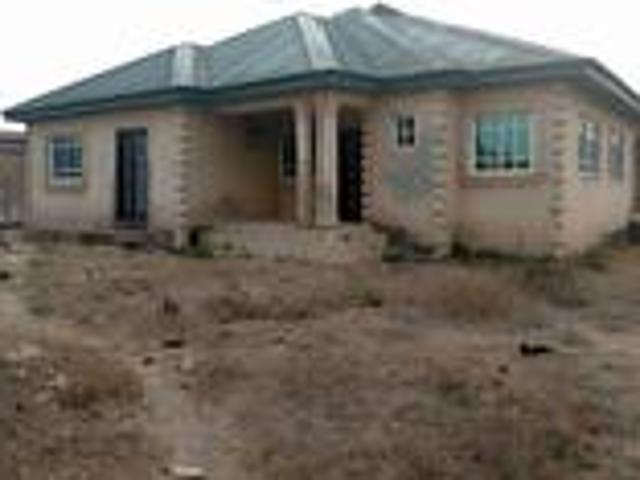 7bdrm Block Of Flats In Abeokuta South For Sale