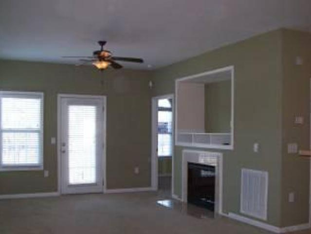 $800 2br/2ba Condo Rent Reduced! Fayetteville
