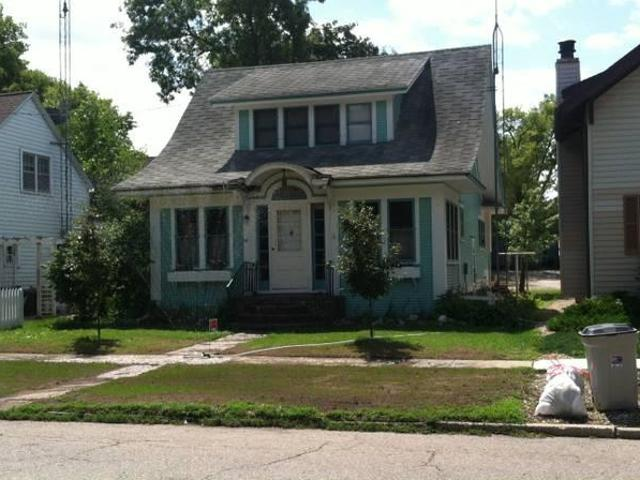 $800 / 4br Charming House For Rent