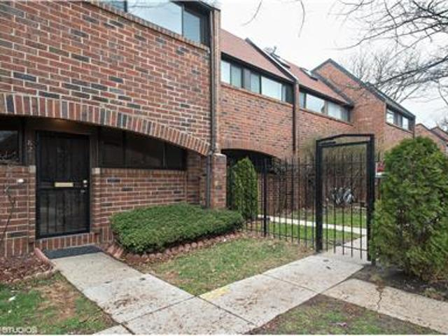 821 S Racine Townhouse For Rent W/parking