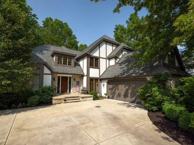 8291 Old Post Rd, Olmsted Falls, Oh