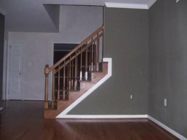 $905 / 3br 1564ft² Attractive 3/bed Property
