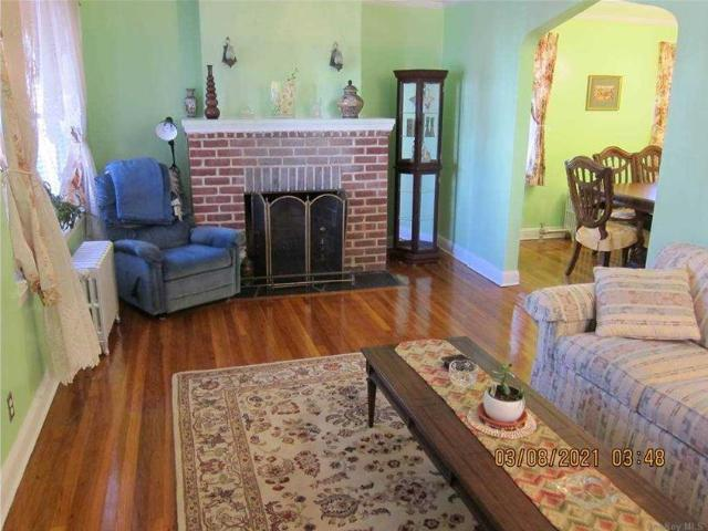 90 24 St Place, Queens Village, Ny 11428