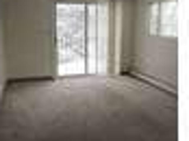 $925 / Two Br Webster Sq 2 Br, Two Family, Dishwasher And Laundry!