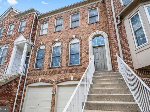 9590 Lagersfield Circle