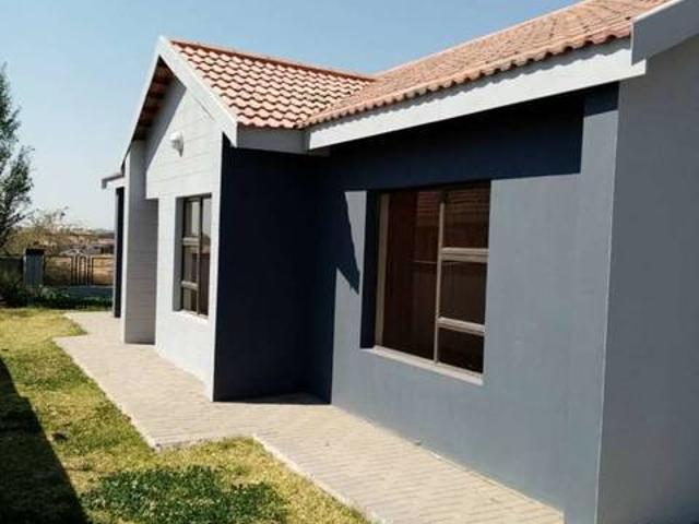 A Brand New House For Sale In Vista Park