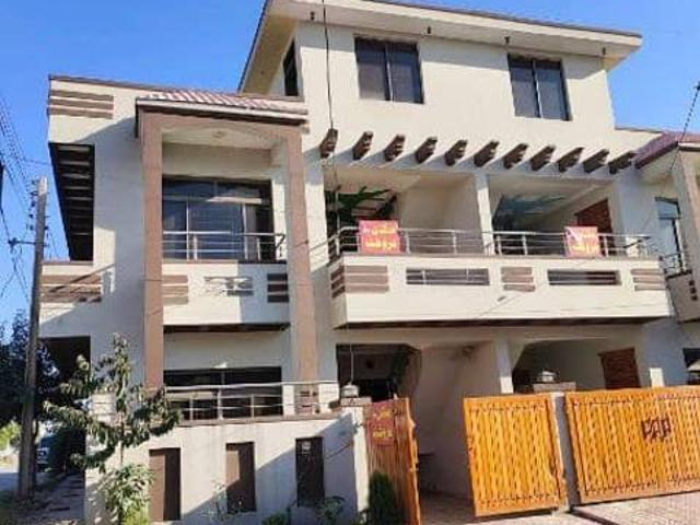 A Corner 5 Marla Double Story Storey House For Sale