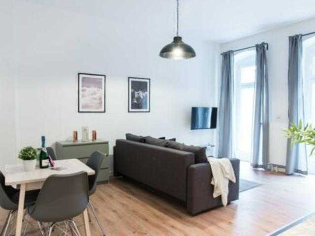 A fully furnished, all inclusive, 2 room apartment with a terrace in beautiful Moabit