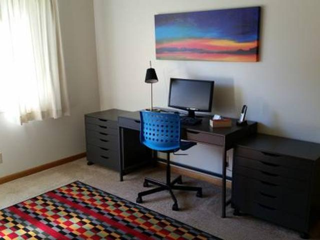 A Roommate Wanted From Aug 1st Till Jul 30th In A 3 Bed 2 Bath Apartmt Iowa City