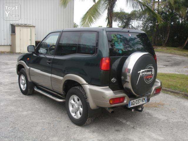 voitures occasion nissan qashqai 2 terrano court