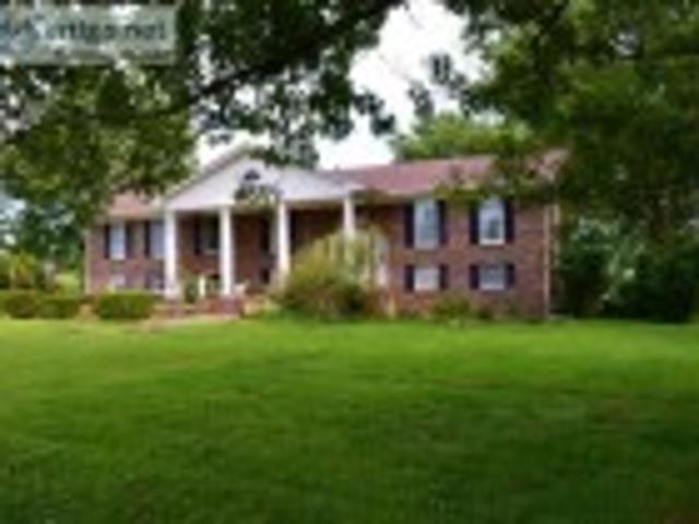 Absolute Auction Country Estate Home On Acre Lot Bardstown