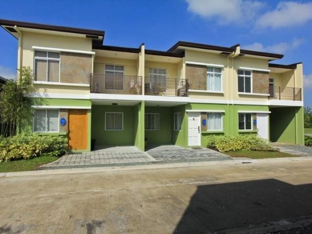 Adelle 3br Unit With Free Fence And Gate