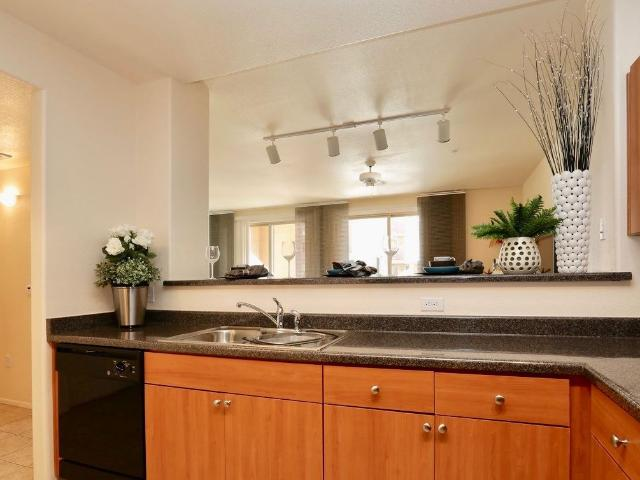 Adjacent To Tempe Town Lake 2 Bedroom Apartment For Rent At 800 Adjacent To Tempe Town Lak...