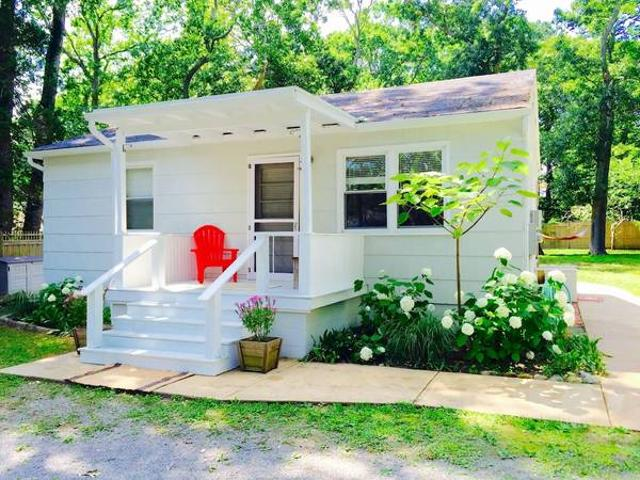Adorable Southold Cottage In The Heart Of Li39s North Fork Southold,ny