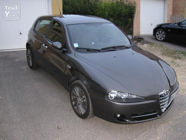 voitures occasion alfa romeo 147 mp3 mitula voiture. Black Bedroom Furniture Sets. Home Design Ideas