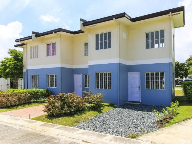 Along The Highway Felicia Townhouse With 3 Br 2 T&b