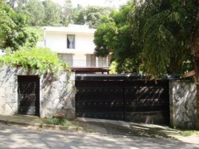 Alquiler De Casa En Caracas En Prados Del Este. 10 8670