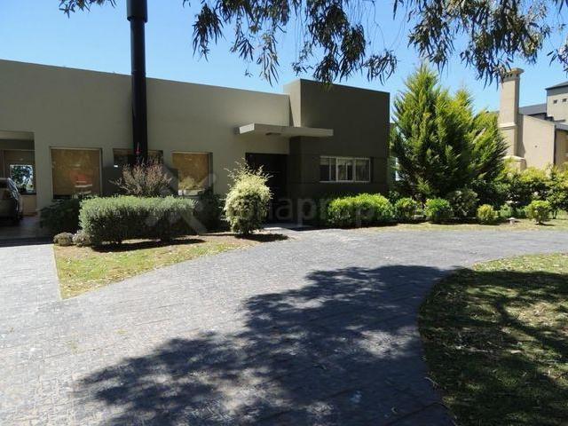 Alquiler Mensual Alquiler Temporario De Casa Con Jacuzzi Garage Techado