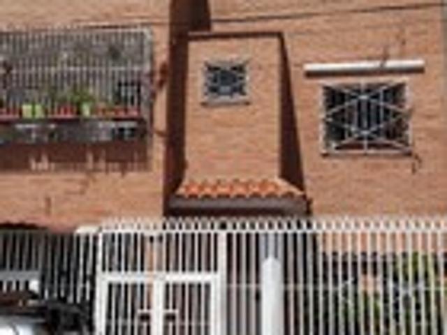 Alquilo Quinta De 2 Niveles Solo Para Empresa Bs. 1.500.000