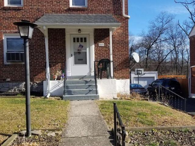Amazing 3 Bed 1.5 Bath Home With Off Street Parking And Large Yard!
