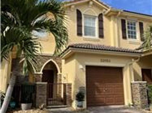 Amazing Opportunity For Rent This Townhouse In Cutler Bay, Fl