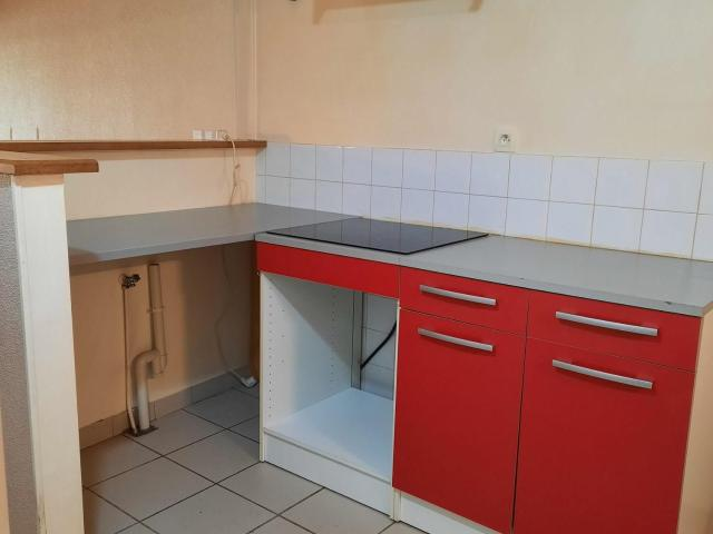 Ambronay Location Appartement 01