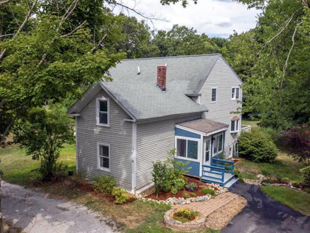 Amherst Two Ba, This Gorgeous And Updated Antique Home Features