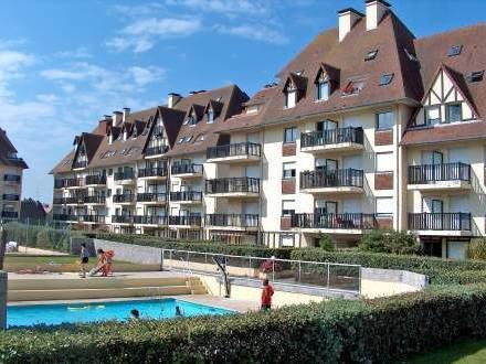 Residence normandieres cabourg mitula immobilier for Hotel piscine cabourg