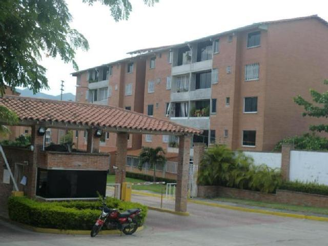 Apartamento En Venta En Guarenas En Guarenas Rah 13 8261