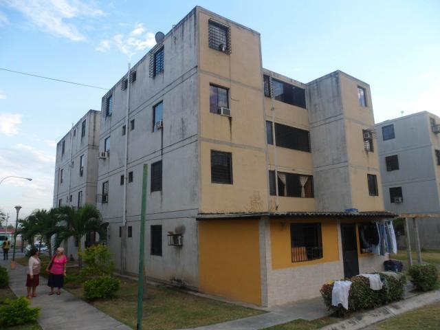 Apartamento En Venta Buenaventura Los Guayos Carabobo Código 175054