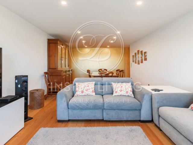 Apartamento T3 Integralmente Remodelado Por Arquiteto, Com V. 133m² Oeiras E São Julião Da...