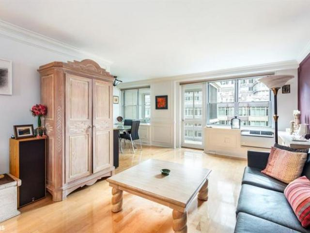 Apartment Unit New York Ny For Sale At 1075000
