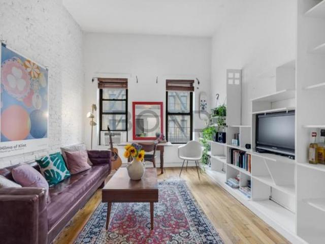 Apartment Unit New York Ny For Sale At 549000