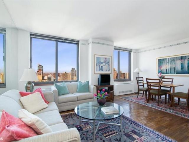 Apartment Unit New York Ny For Sale At 825000
