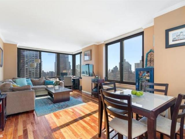 Apartment Unit New York Ny For Sale At 850000