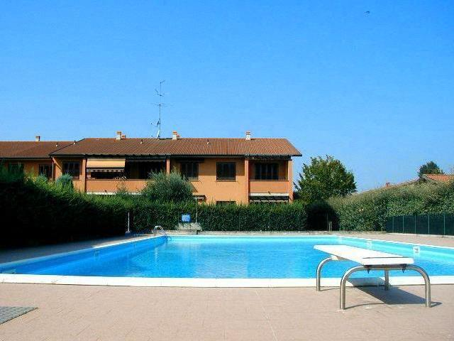 Appartamento Stagionale A Sirmione In Residence Con Piscina