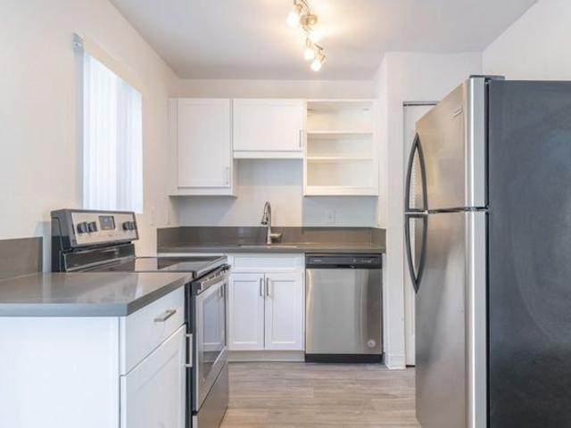 Aster Parc Apartments And Townhomes 6300 Sw 188th Ct, Beaverton, Or 97078
