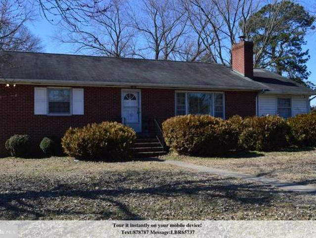 Attractive Classic This Brick Rancher Shows Craftsmanship Of Years Milford