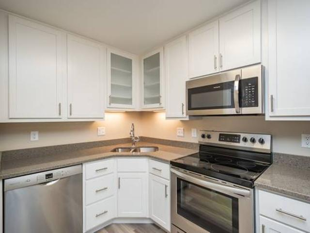 Avail 68 Renovated 1 Br River Ridge Place In Coralville 199 6th St 17, Coralville, Ia