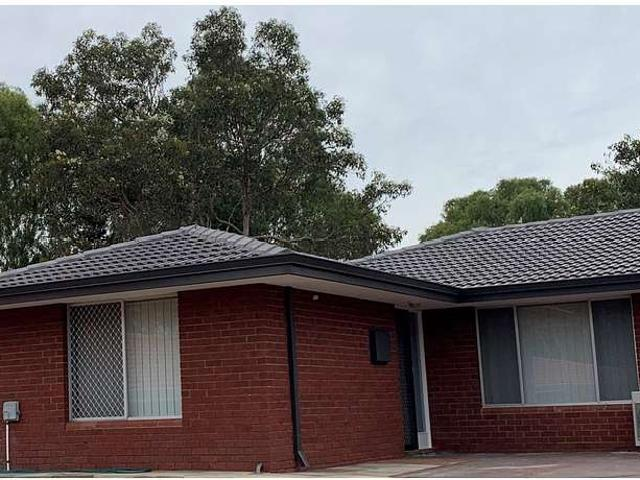 Available 16 August 2021 3 Bedroom, 1.5 Bathroom House Close To Great Schools, Parks And S...