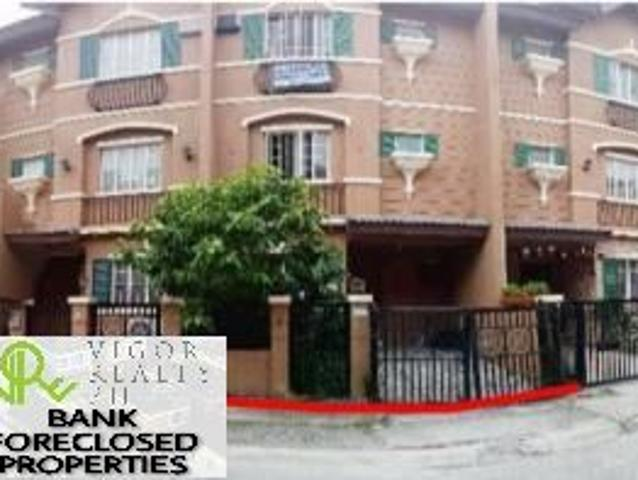 Bank Foreclosed Townhouse For Sale In Aventine Crown Asia, Brgy. Ususan, Taguig City