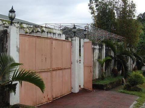Batangas Rest House 2.3m Negotiable