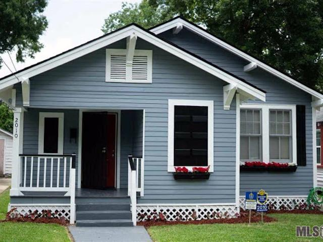 Baton Rouge Three Br Two Ba, Move In Ready! Come Check Out This