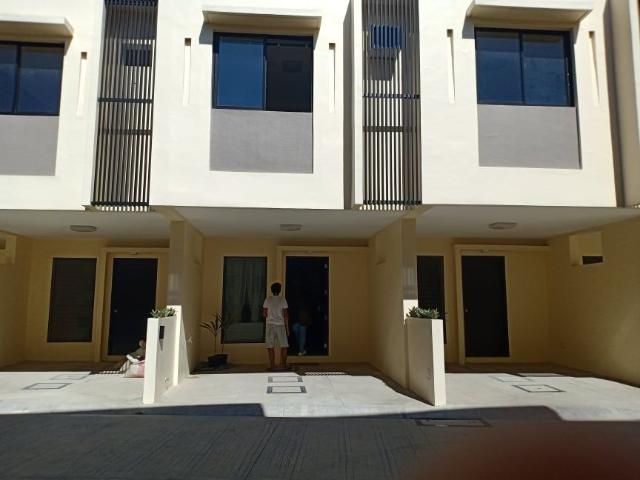 Beach Front House And Lot In Royal Palm Argao,cebu