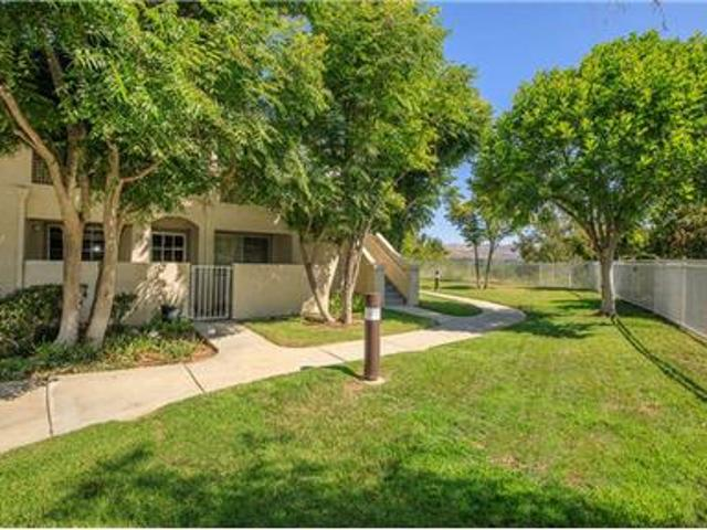 Beautiful 2/2 Simi Valley Condo For Rent