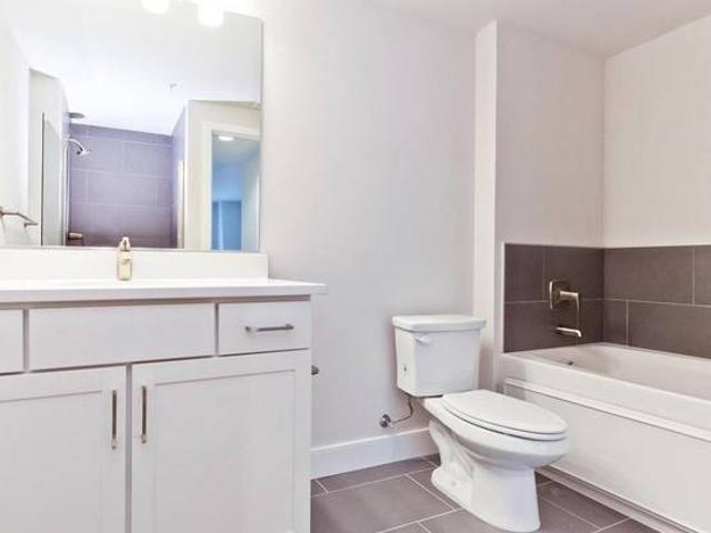 Beautiful 2 Bedroom And 1 Bathroom Apartment Marion